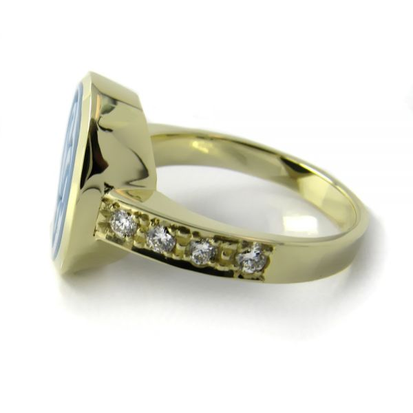 Siegelring-Anfertigung in Gold mit Lagenstein und Brillanten